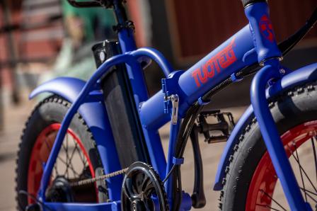 Blue Tuoteg electric bike detail