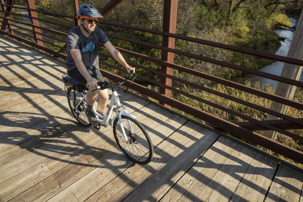 are there tires to avoid fat tire ebike